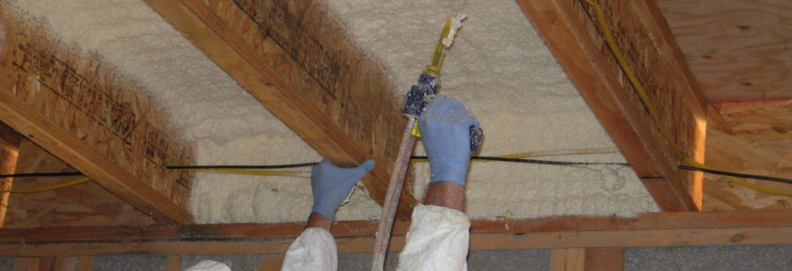 утеплить деревянные стропила пеной из баллона