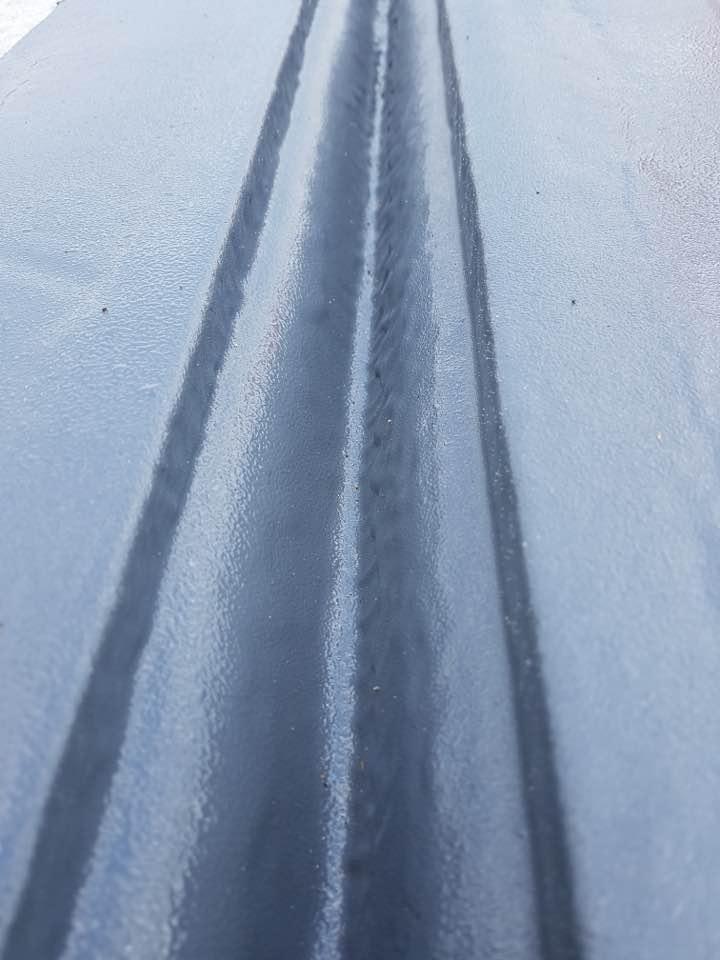 Заливка полимочевины в деформационный шов дороги